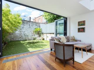 Lovely 4 bed family home in Highgate - London vacation rentals