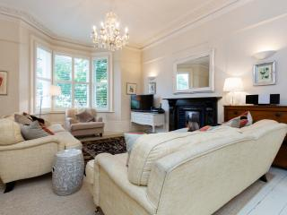 Perfect 5 bedroom London House with Internet Access - London vacation rentals