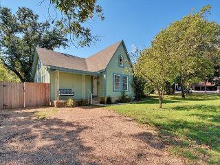 4BR North Loop Charmer near North Campus - Austin vacation rentals