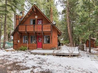 Creekside Chalet with Hot Tub in Carnelian Bay - Carnelian Bay vacation rentals