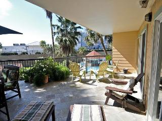 Bright, Oceanside 2BR Condo in Galveston with Large Private Patio - Tiki Island vacation rentals