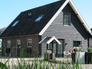 Charming little cottage at farm near Amsterdam - Weesp vacation rentals