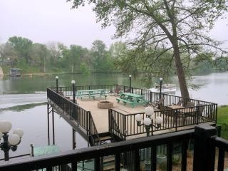 GUADALUPE RIVER LODGE-NEW BRAUNFELS-HILL COUNTRY - New Braunfels vacation rentals