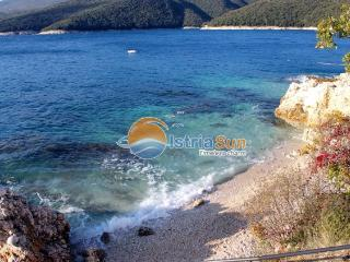 Romantic 1 bedroom Condo in Rabac with Balcony - Rabac vacation rentals