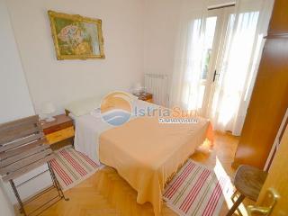 Nice Condo with Balcony and Water Views - Novigrad vacation rentals