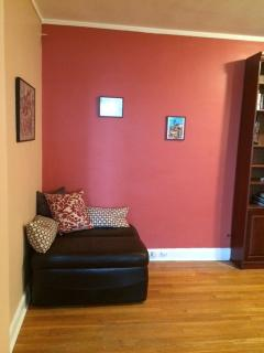 Bright Condo with Television and DVD Player - Queens vacation rentals