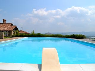 Villa privata con piscina. Langhe, Verduno, Alba - Verduno vacation rentals