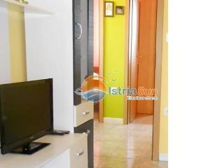 Cozy 2 bedroom Condo in Umag with Stove - Umag vacation rentals
