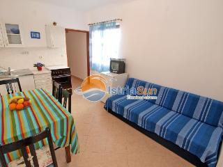 Romantic 1 bedroom Condo in Fazana with Balcony - Fazana vacation rentals