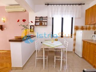 Cozy 2 bedroom Condo in Fazana - Fazana vacation rentals