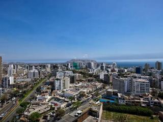 2 Bedroom apartment confortable and furnished $90 - Lima vacation rentals