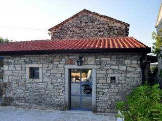 House 000486 Apartment for 6 persons with 3 bedrooms (ID 1152) - Porec vacation rentals