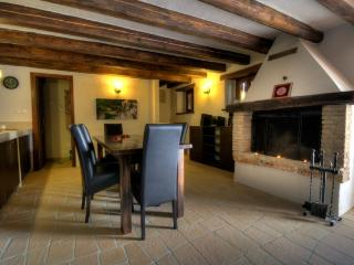 House 000513 Apartment for 3 persons with 2 extra beds and 2 bedrooms (ID 1219) - Plomin vacation rentals