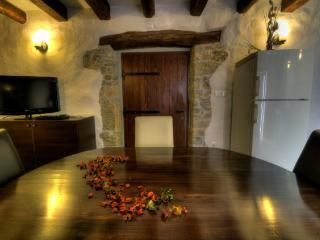Cozy 2 bedroom House in Plomin - Plomin vacation rentals