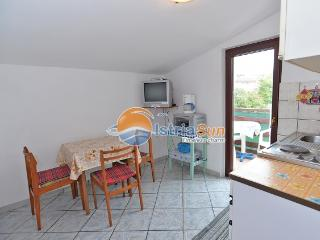 Nice Condo with Balcony and Microwave - Medulin vacation rentals