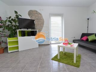 House 000688 Apartment for 4 persons with 2 extra beds and 2 bedrooms (ID 1623) - Plomin vacation rentals