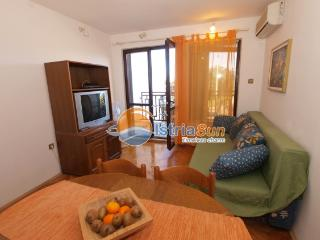 Apartment 000769 Apartment for 4 persons with extra bed and 2 bedrooms (ID 1793) - Fazana vacation rentals