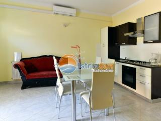 Apartment 000814 Apartment for 2 persons with 2 extra beds (ID 1906) - Novigrad vacation rentals