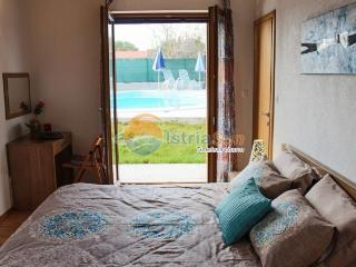 Villa 000868 Apartment for 8 persons with 2 extra bedsand 4 bedrooms (ID 2036) - Foli vacation rentals