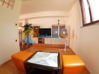 House 000932 Apartment for 12 persons with 5 bedrooms (ID 2228) - Marcana vacation rentals