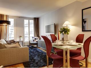 B108001 - Montaigne - 8e Arrondissement - Paris vacation rentals
