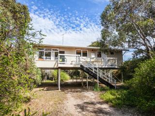 STEPPY BEACH RETRO - Aireys Inlet vacation rentals