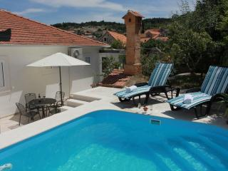 Nice House with Television and Satellite Or Cable TV - Nerezisca vacation rentals