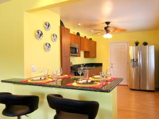 "They call me ""Mellow Yellow..."" - Pacific Beach vacation rentals"