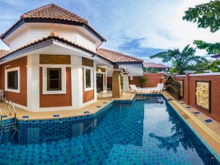 Villa Valery with private pool - Pattaya vacation rentals