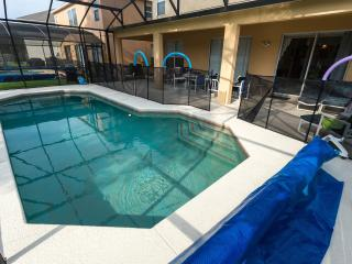 Large Vacation Home - Ideal for Families & Groups - Old Town vacation rentals