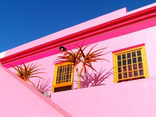 """The Pink Lady"" in the heart of historic Bo Kaap - Cape Town vacation rentals"