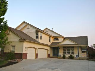 Perfect for families - 8 BR / 5 BA w/pool and yard - Boise vacation rentals