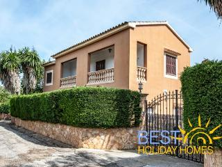 Charming 6 bedroom Felanitx House with Internet Access - Felanitx vacation rentals