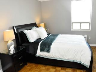 Nice Bedroom In Luxury Condo - London vacation rentals