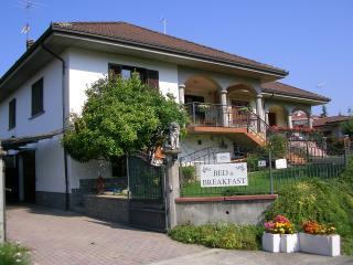 Bed and breakfast villa romaniani - Villaromagnano vacation rentals