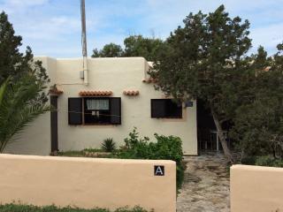 Cozy 1 bedroom Es Pujols Apartment with Internet Access - Es Pujols vacation rentals