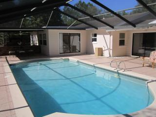 Lutz Cottage - Pool / Beaches / Busch Gardens / Di - Tampa vacation rentals