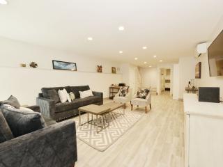 Riverside/Central Parks! - Sleeps 14 - 4 Bed/3Bath - New York City vacation rentals