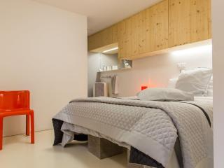 Nice Bed and Breakfast with Housekeeping Included and Television - Bergheim vacation rentals