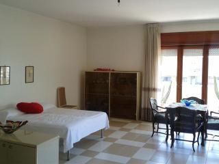 Cozy 3 bedroom Villa in Mondragone - Mondragone vacation rentals