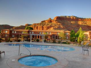 Gorgeous Townhouse with Internet Access and Dishwasher - Kanab vacation rentals