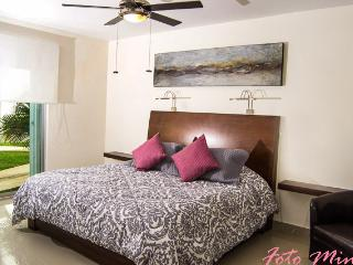 Condo Blanc Uno Stylish and Cozy - Playa del Carmen vacation rentals