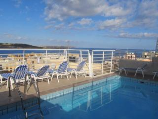 Central Studio apartment with communal pool - Bugibba vacation rentals