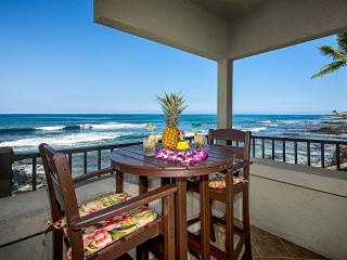 OCEANFRONT FLOOR TO CEILING GLASS~ BANYAN TREE 204 - Kailua-Kona vacation rentals