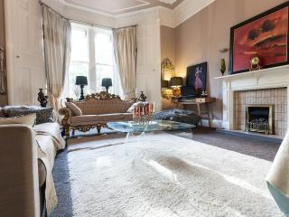 Grand double room in City Mansion House - Edinburgh vacation rentals
