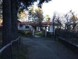 Villa in campagna con terreno a 1 ora da Genova - Urbe vacation rentals