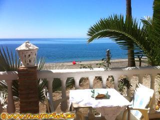 Casa Antonio N° 1 *** Beachfront Studio *** - Almunecar vacation rentals