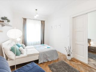 Perfect 2 bedroom Prague Apartment with Internet Access - Prague vacation rentals