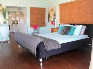 Penthouse Suite, $99, Palm Beach - Palm/Eagle Beach vacation rentals