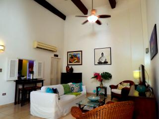 Colonial 2Bd - 2 Level w/ Private Patios! - San Juan vacation rentals